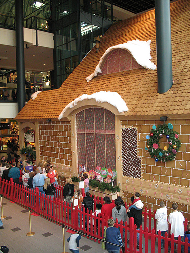 largest ginger bread house