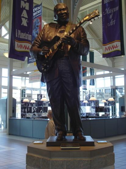 B.B. King statue