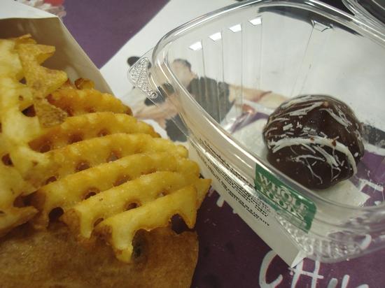 Chocolate-Covered Cheesecake Bitelette