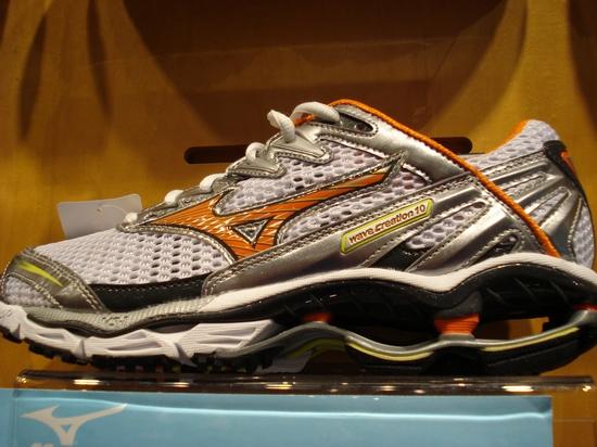 Mizuno Wave Creation 10 Running Shoe